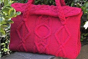 1ea9bb120b1b Вязаная сумка Вязаная одежда никогда не выходит из моды. Особенно в России  она стала классикой ...