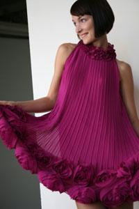 Плиссированный низ платья