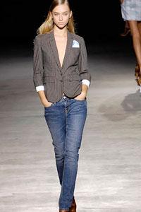 Мода приходит и уходит, а джинсы всегда остаются с нами.