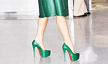 Модные тенденции  зеленые туфли dee02ac5d11